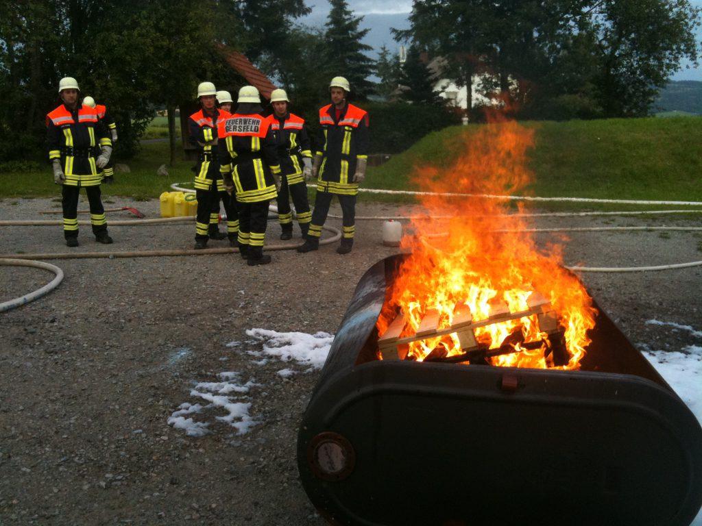 Feuerübung mit unserer Nachbarwehr aus Maiersbach
